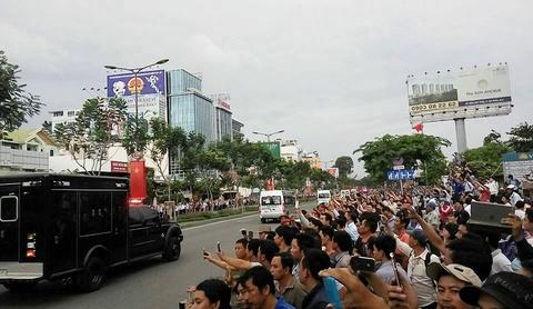 Nguoi dan Sai Gon nong nhiet chao don Tong thong Obama hinh anh 9