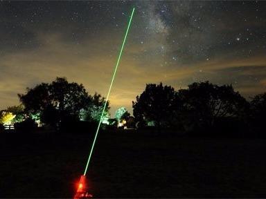 Chieu laser uy hiep may bay: Khong phai khung bo hinh anh