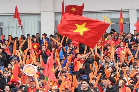 Fanzone My Dinh ruc mau co do tiep lua U23 Viet Nam hinh anh 3