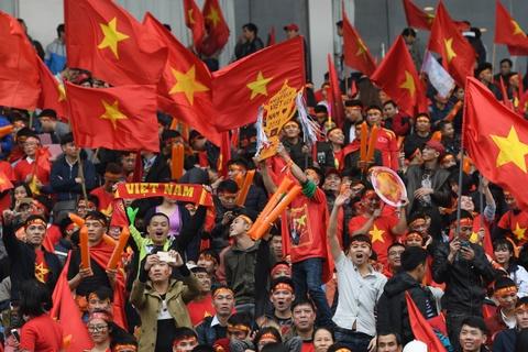 Fanzone My Dinh ruc mau co do tiep lua U23 Viet Nam hinh anh 6