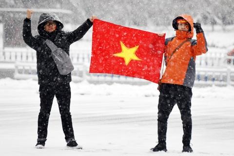 Tuyet phu kin san van dong dien ra tran chung ket U23 chau A hinh anh 22