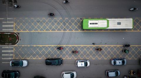 Oto, xe may tat dau buyt BRT nhung ngay can Tet hinh anh 5