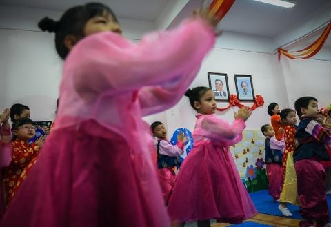 Ngôi trường có lớp học mang tên Kim Nhật Thành, Kim Jong Il ở Hà Nội