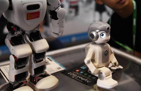 Robot la, do gom su hang chuc trieu gay chu y tai Ha Noi hinh anh 3