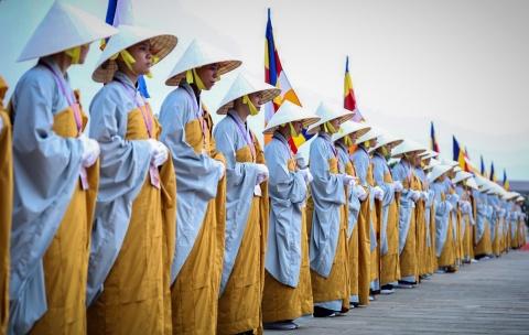 Thu tuong thuc hien nghi le tam Phat truyen thong o dai le Vesak 2019 hinh anh 2