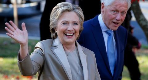 Ba Clinton se tham du le nham chuc cua ong Trump hinh anh