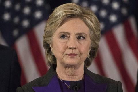 Hillary che bai phat bieu cua ong Trump 'den toi va nguy hiem' hinh anh