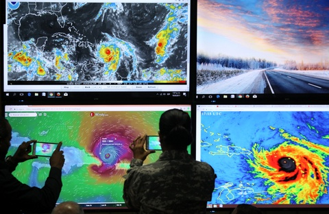 'Ac mong' Irma chua qua, dan Caribe lai don sieu bao Maria hinh anh 8