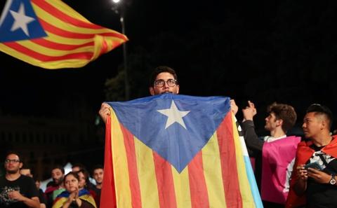 90% nguoi di bo phieu muon Catalonia tach khoi Tay Ban Nha hinh anh