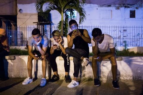 Internet o Cuba: Despacito, phim Han Quoc va gia dinh hinh anh 10