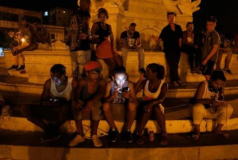 Internet o Cuba: Despacito, phim Han Quoc va gia dinh hinh anh 7
