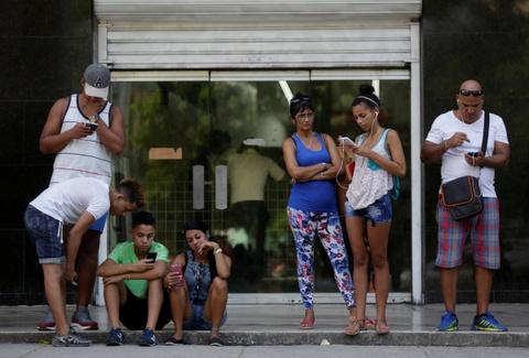 Internet o Cuba: Despacito, phim Han Quoc va gia dinh hinh anh 12