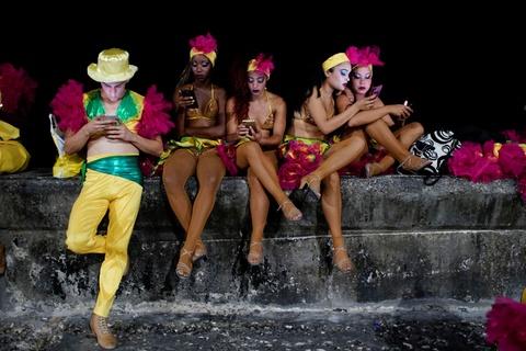 Internet o Cuba: Despacito, phim Han Quoc va gia dinh hinh anh 3