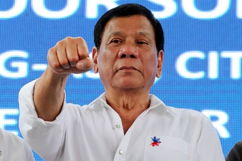 Ong Duterte yeu cau canh sat Philippines tiep tuc chong ma tuy hinh anh