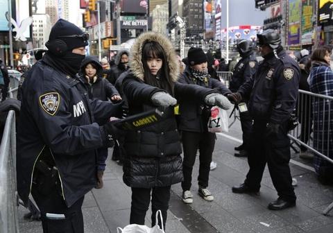 New York don nam moi trong gia lanh ky luc va an ninh chat che hinh anh 9