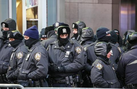 New York don nam moi trong gia lanh ky luc va an ninh chat che hinh anh 1