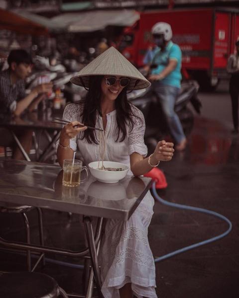 Hanh trinh check-in xuyen Viet cua chau gai ty phu Anh hinh anh 3