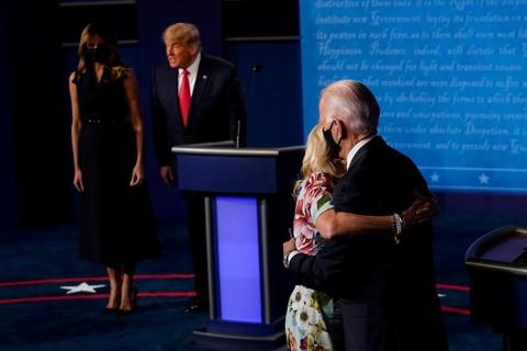 Hinh anh an tuong tu cuoc tranh luan Trump - Biden hinh anh