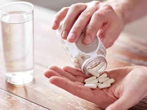 Tai sao ban khong nen su dung vitamin tong hop? hinh anh
