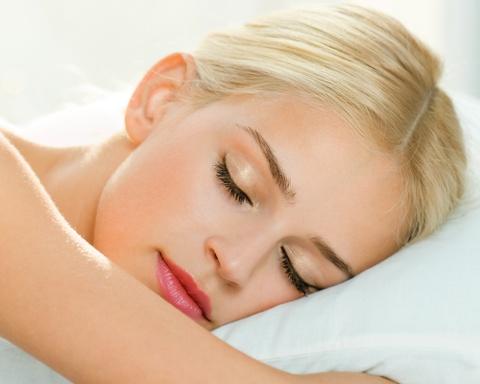 4 thói quen phổ biến có thể gây hại da mặt
