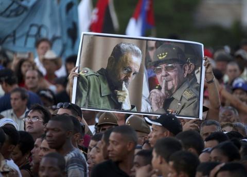 Bien nguoi tuong nho lanh tu Fidel Castro o Havana hinh anh 5