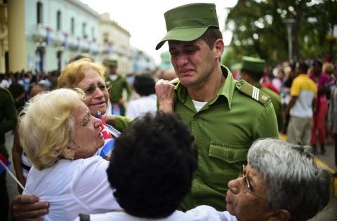 Doan xe tang dua lanh tu Fidel Castro ve chiec noi cach mang hinh anh 10