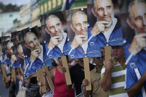Doan xe tang dua lanh tu Fidel Castro ve chiec noi cach mang hinh anh 12