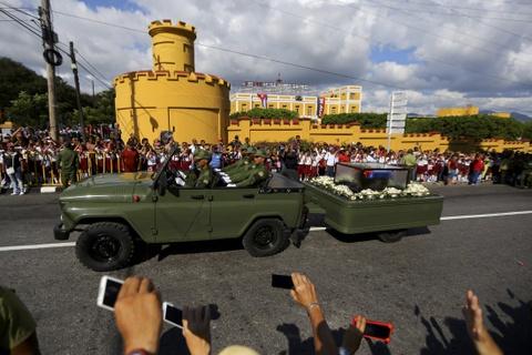 Doan xe tang dua lanh tu Fidel Castro ve chiec noi cach mang hinh anh 16
