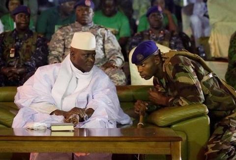 Tong thong 'ty nam' cua Gambia mang sieu xe di luu vong hinh anh