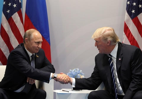 TT Trump hoi dam voi TT Putin: 'Rat vinh hanh khi o day voi ngai' hinh anh