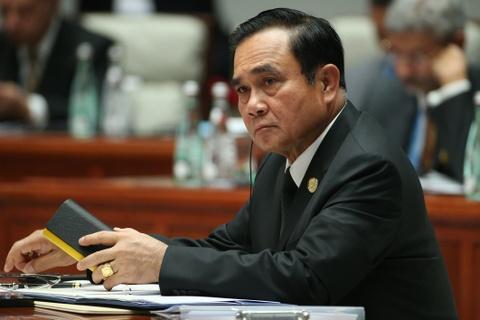 Thaksin dung dau bau chon tin nhiem, Thu tuong Prayut tuc gian hinh anh