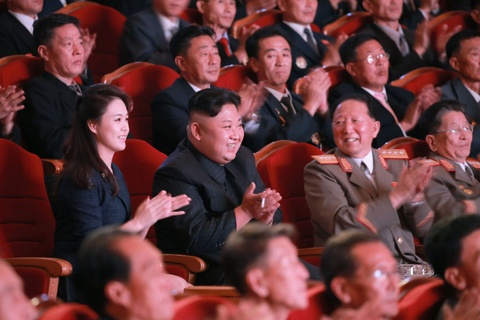 Kim Jong Un cung cac tuong linh mung vu thu bom H hinh anh 10