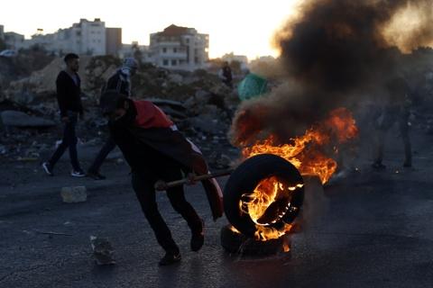 'Saudi dung sau rem voi My, da bat Palestine khoi Jerusalem' hinh anh 9