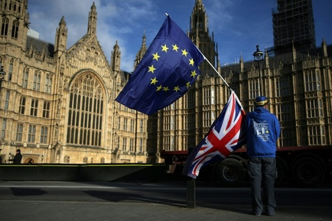 EU doi Anh tra 2,7 ty euro tien thue khi de cong ty TQ lua dao hinh anh