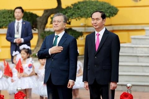 Chu tich nuoc Tran Dai Quang hoi dam voi TT Han Quoc Moon Jae In hinh anh 1
