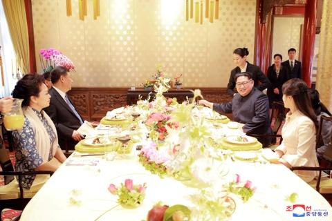 Kim Jong Un va chuyen tham bi an toi Bac Kinh hinh anh 12
