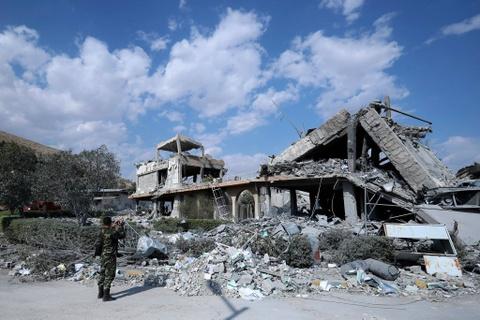 Vien nghien cuu Syria bi ten lua My 'bam' thanh dong do nat hinh anh 7