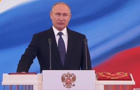 Tong thong Putin vi nuoc Nga hoi sinh nhu phuong hoang hinh anh