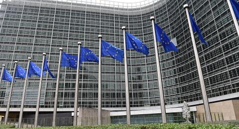Song gio EU: Don chi mang tu khung hoang chinh tri o Italy hinh anh 2