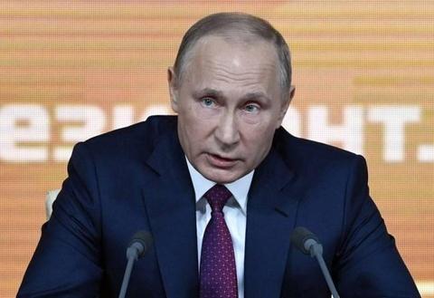 Putin cam bien san van dong World Cup thanh cho troi hinh anh