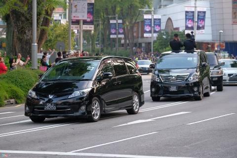 Doan xe cua Kim Jong Un vuot con duong sam uat nhat Singapore hinh anh
