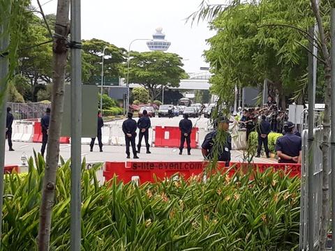 Doan xe cho ong Kim Jong Un ve khach san o Singapore hinh anh 4