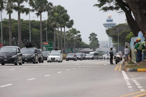 Doan xe cho ong Kim Jong Un ve khach san o Singapore hinh anh 1