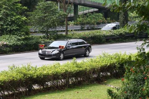 Doan xe cho ong Kim Jong Un ve khach san o Singapore hinh anh 6
