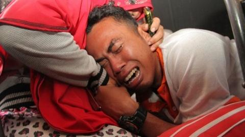 Tham kich lat tau o Indonesia: Lai tau bi bat, 193 nguoi mat tich hinh anh