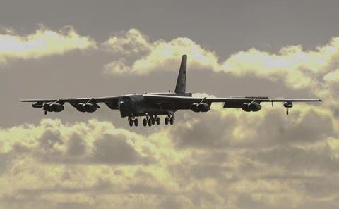 Mỹ điều máy bay ném bom B-52 từ Guam đến gần Biển Đông