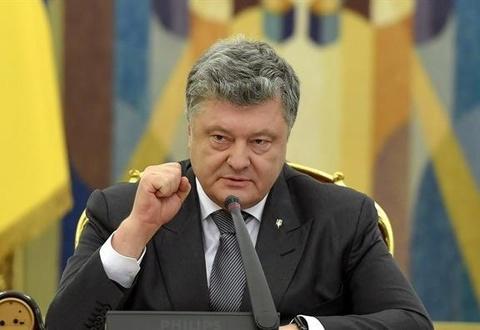 Tong thong Ukraine de xuat thiet quan luat sau vu Nga no sung, bat tau hinh anh