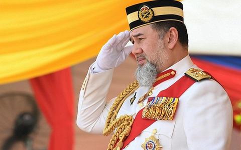 On ao quanh nha vua Malaysia vua thoai vi sau khi ket hon voi hoa hau hinh anh
