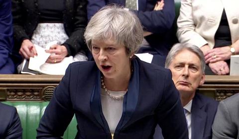Ke hoach Brexit bi quoc hoi bac, Anh sap roi EU trong hon loan hinh anh