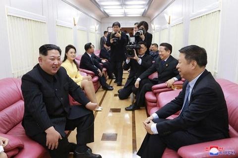 Doan tau bi an ong Kim Jong Un co the dung cho cong du hinh anh 3